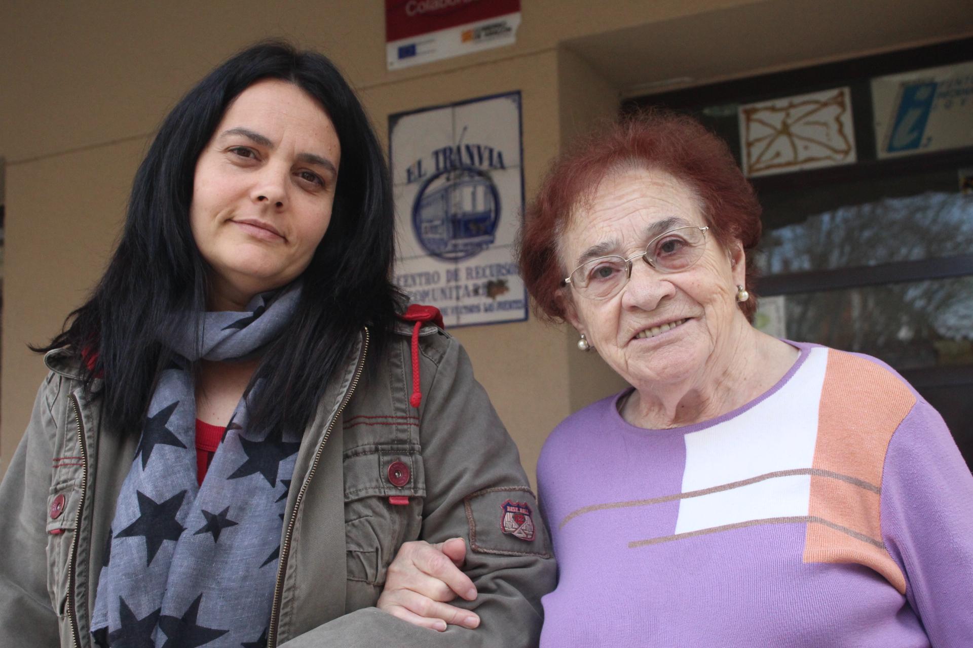 Lourdes y Magdalena, de la asociación de vecinos de Las Fuentes.