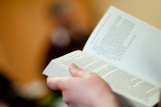el tranvía invita a leer, recomendar y cruzar libros
